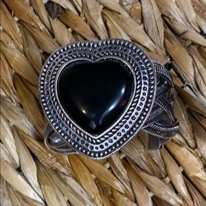 Heart shaped cuff black stone sizable new with tag